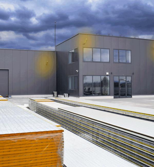 Фирма Козирог 27 еоод предлага изработка и монтаж на термо панели и метални конструкции