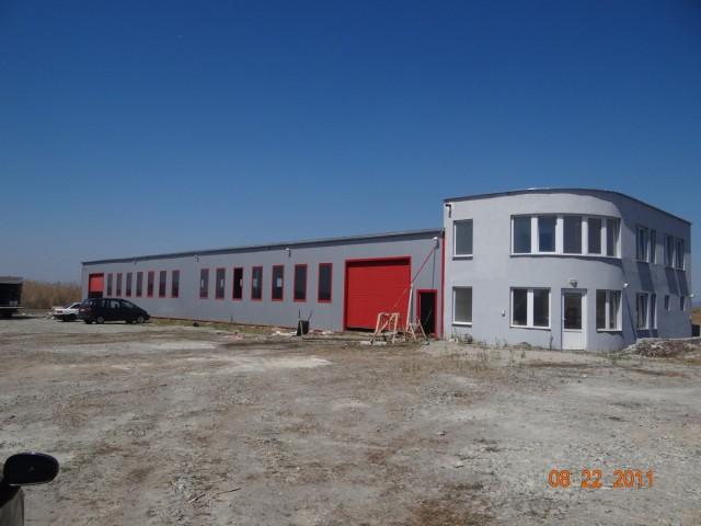 Козирог27 изгражда фабрики и дърводелски цехове за мебелната индустрия.